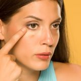 3 Easy Steps to Cover Up Your Dark Circles