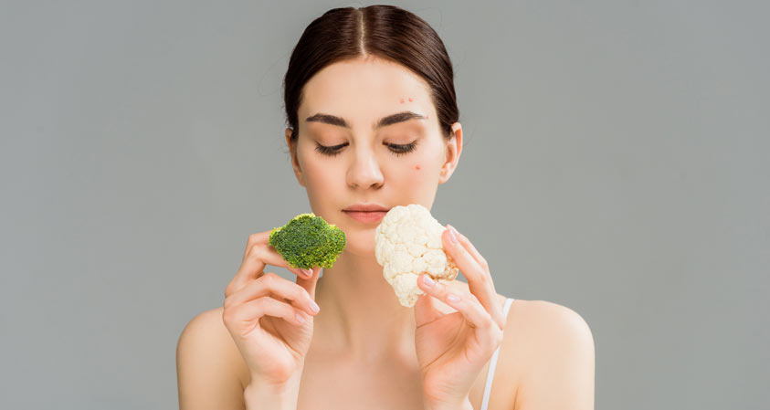 Healthy Super Foods That Banish Acne